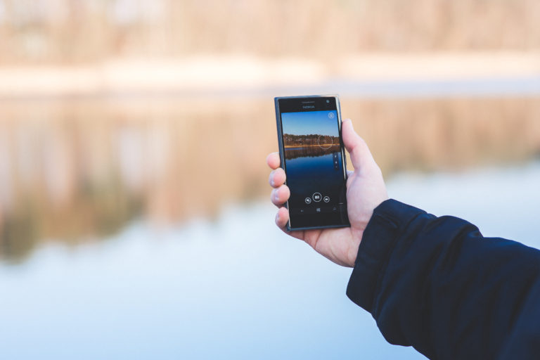 6 Things to Immediately Do When Your Phone Has Water Damage - Digital Doc Repair